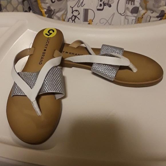 09a03d7a6b70 Lucky Brand Sandals Size 5